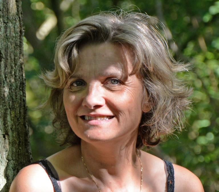 Corine Brard by Coralie Hic www.oseretre.fr ete 2019 53.1. reduite 768x673